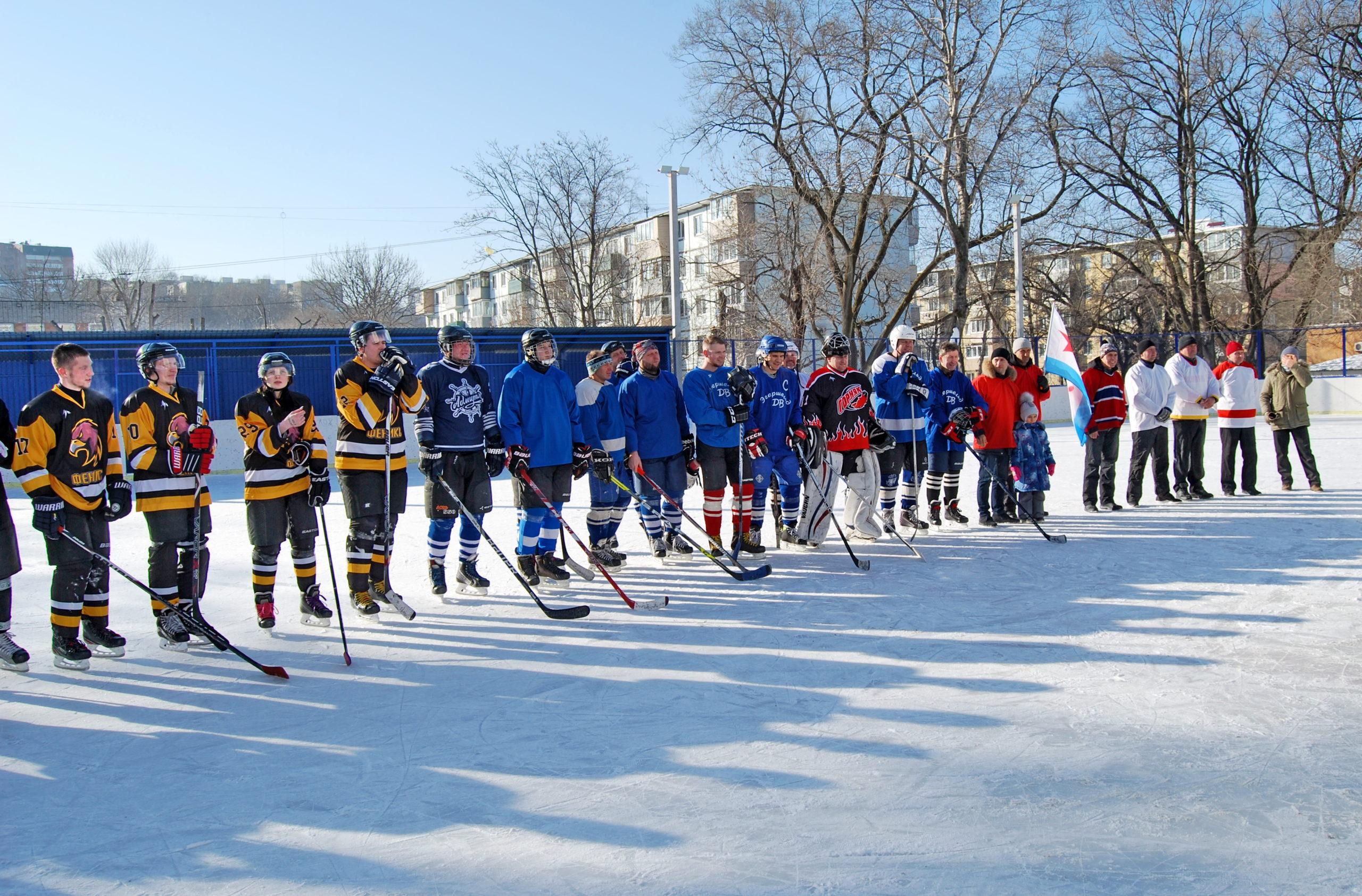 Шмаковские лимонады на городском турнире по хоккею среди непрофессиональных команд